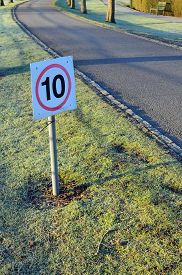 picture of mph  - 10 mph speed restriction sign on a private lane in England - JPG