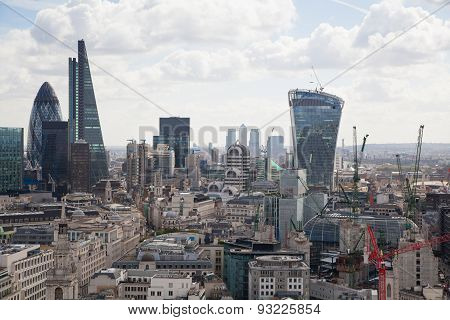 LONDON, UK - AUGUST 9, 2014 London. View on business modern district