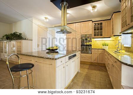 Kitchen Island In Designed Kitchen