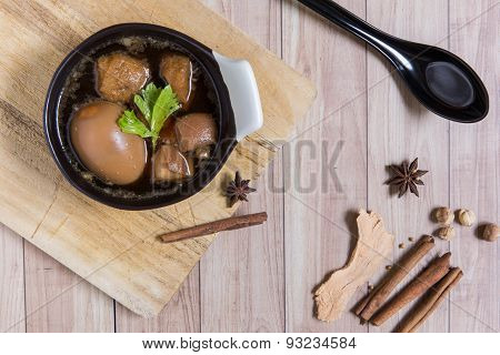 Thai Food : Egg Stewed With Pork And Tofu