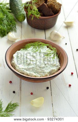 Cucumber sauce with yogurt garlic, dill tzatziki
