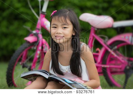 Asia Kid Read And Relax