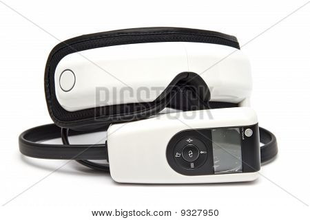 The device for massaging the eye