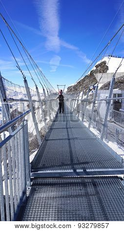 Suspended Walkway Snow Mountains Titlis