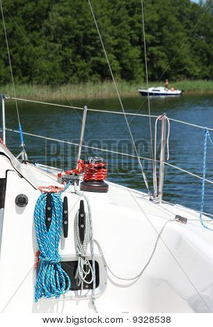 ropes on sailboat