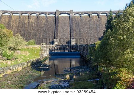 The Claerwen Reservoir. Towering Dam From Below.
