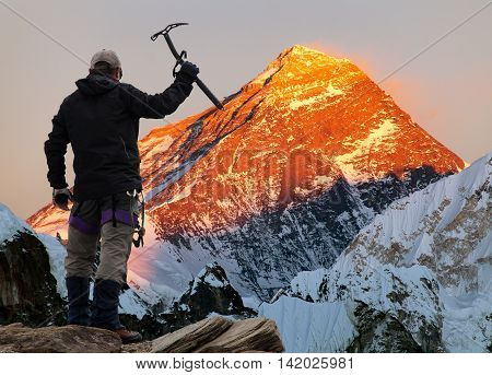 Evening colored view of Mount Everest from Gokyo valley with tourist on the way to Everest base camp Sagarmatha national park Khumbu valley Khumbu valley Sagarmatha national park Nepal