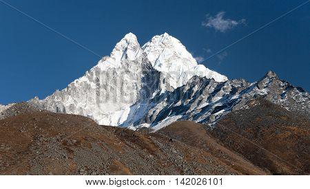 Ama Dablam - way to Everest base camp - Khumbu valley sagarmatha national park Nepal