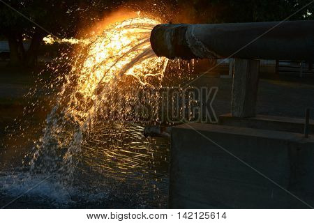 Sunset through the  Blackall Scour Bore at Blackall