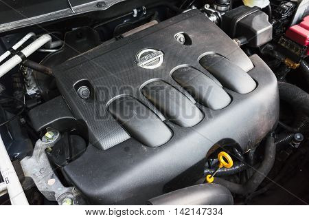 Modern Nissan X-trail  Suv Car Engine