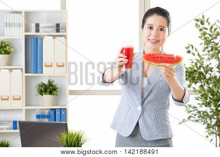 Asian Business Woman Know Concentrate Fruit Juice Is Not Fresh