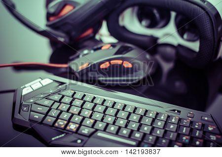 Dark Gaming Peripherals Set