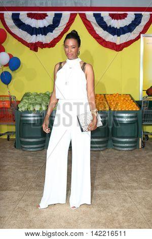 LOS ANGELES - AUG 9:  Aisha Tyler at the