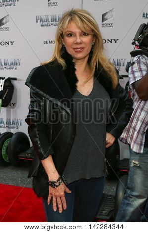 NEW YORK-APR 11: TV personality Ramona Singer attends the world premiere of