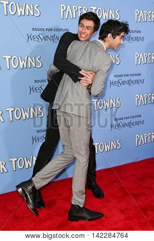 NEW YORK-JUL 21: Actors Alex Wolff (r) and Nat Wolff attend the