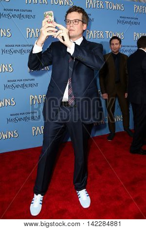 NEW YORK-JUL 21: Author/producer John Green attends the
