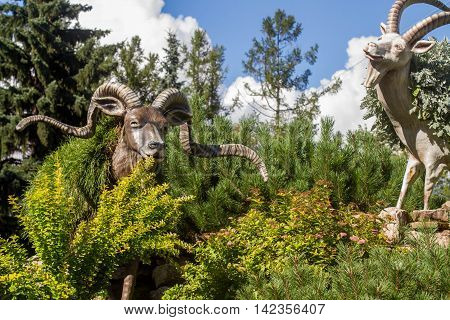 Sankt-St. Petersburg-12.08.2016: the park sculptures which are harmoniously combined with park trees and bushes