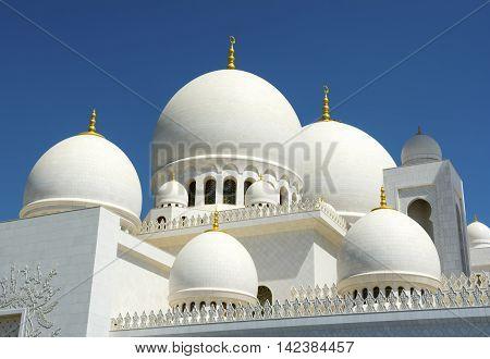Beautiful arabesque detail of Sheikh Zayed Mosque, Abu Dhabi, United Arab Emirates