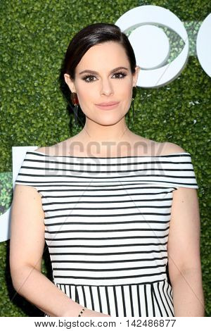 LOS ANGELES - AUG 10:  Emily Hampshire at the CBS, CW, Showtime Summer 2016 TCA Party at the Pacific Design Center on August 10, 2016 in West Hollywood, CA