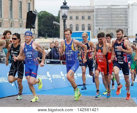STOCKHOLM - JUL 02 2016: Tough fight between running triathletes Sandor Lagerstrom Bowden and competitors in the Men's ITU World Triathlon series event July 02 2016 in Stockholm Sweden