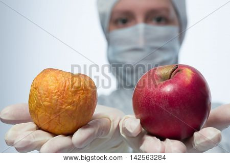 Apples on the hand good and bad