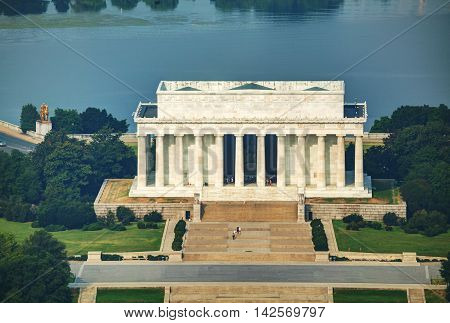Abraham Lincoln memorial in Washington DC aerial view