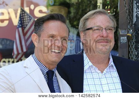 LOS ANGELES - AUG 11: Mark Burnett, Pastor Rick Warren at a ceremony where Roma Downey is honored with a star on the Hollywood Walk of Fame on August 11, 2016 in Los Angeles, California
