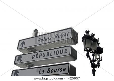 Finding Directions In Paris France