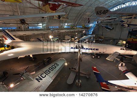 O Steven F. Udvar-hazy Center - National Air And Space Museum