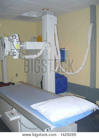 Röntgengerät und Tabelle