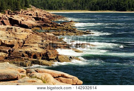 Otter cliffs and Atlantic oceans in Acadia national park, Maine, USA