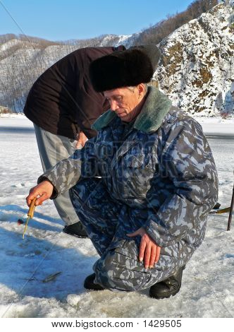 Winter Fishing  5