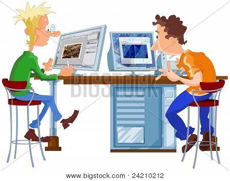 Designer und Programmierer arbeiten