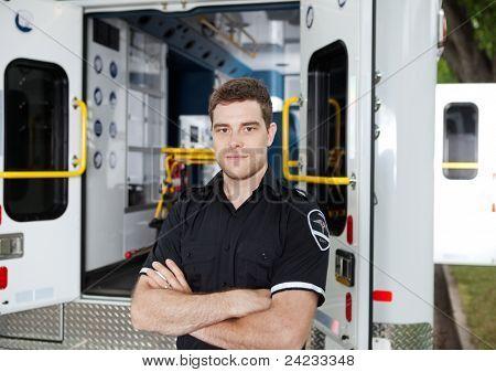 Retrato de un hombre Personal de ambulancia