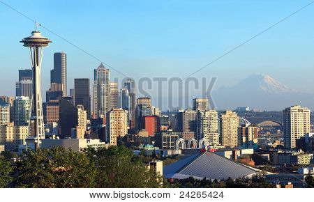 Seattle Skyline Panorama At Sunset & Mt. Rainier.