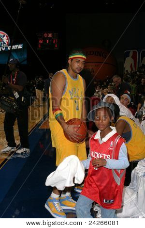 LOS ANGELES - FEB 13: Sean Paul at the NBA All Star Celebrity Game on February 13, 2004 at the Los Angeles Convention Center in Los Angeles, California