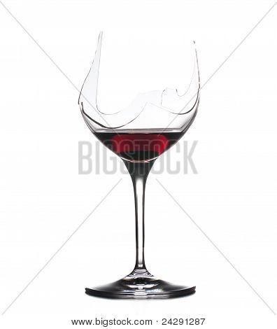 Demônio beber vinho tinto no vidro