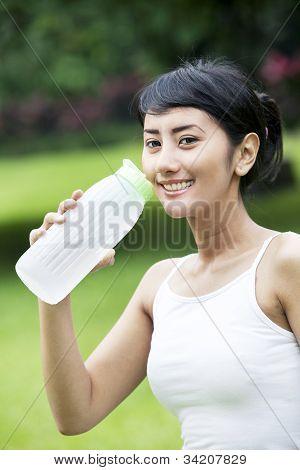 Agua potable después de correr