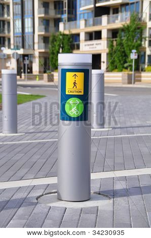 pedestrian and bicycle signage