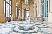 pic of royal palace  - Italy  - JPG
