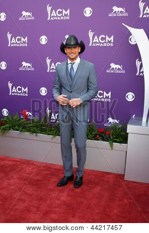 LAS VEGAS - MAR 7:  Tim McGraw arrives at the 2013 Academy of Country Music Awards at the MGM Grand Garden Arena on March 7, 2013 in Las Vegas, NV