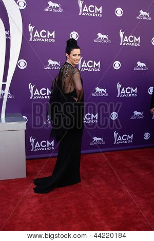 LAS VEGAS - MAR 7:  Shawna Thompson arrives at the 2013 Academy of Country Music Awards at the MGM Grand Garden Arena on March 7, 2013 in Las Vegas, NV