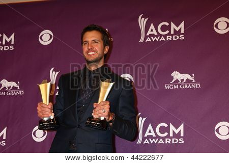 LAS VEGAS - MAR 7:  Luke Bryan in the press room at the 2013 Academy of Country Music Awards at the MGM Grand Garden Arena on March 7, 2013 in Las Vegas, NV