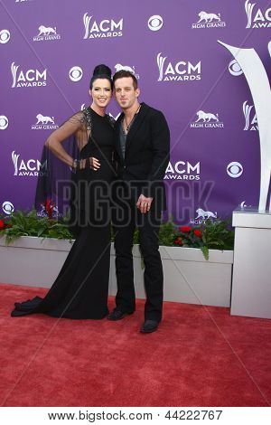 LAS VEGAS - MAR 7:  Shawna Thompson, Kiefer Thompson - Thompson Square arrives at the 2013 Academy of Country Music Awards at the MGM Grand Garden Arena on March 7, 2013 in Las Vegas, NV