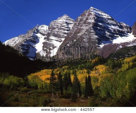 Maroon Bells (no Clouds Horizontal)