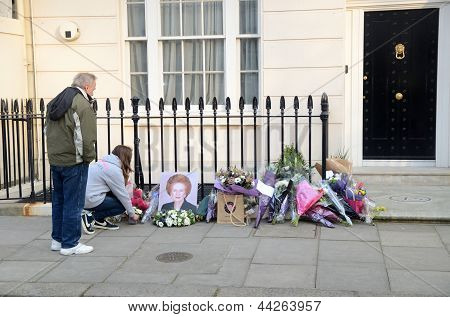 Tributes To Ex British Prime Minster Margret Thatcher Who Died Londons Victoria Area 8Th April 2013