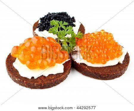 Pan de centeno con salmón, trucha y Caviar de esturión