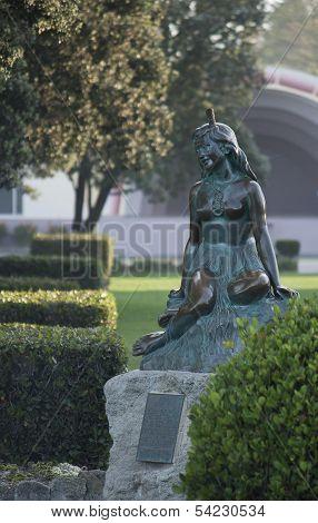Pania Statue