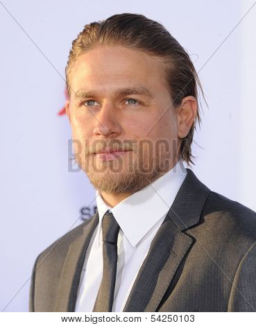 "LOS ANGELES - SEP 07:  Charlie Hunnam arrives to ""Sons of Anarchy"" Season 6 Premiere  on September 07, 2013 in Hollywood, CA"