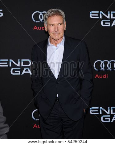 LOS ANGELES - OCT 28:  Harrison Ford arrives to